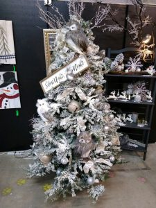Accepting Holiday Decor & Fall Ladies Boutique Items @ Transitional Design